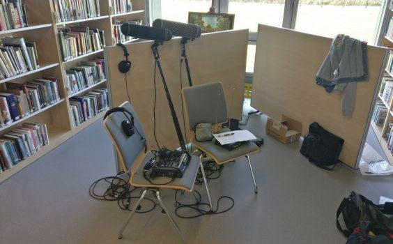 Demo aktorskie w bibliotece.