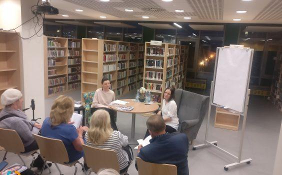 Potężna dawkę wiedzy, jak mieć dobre życie i być szczęśliwym, czyli spotkanie autorskie z Anną Kazimierczak-Kucharską.